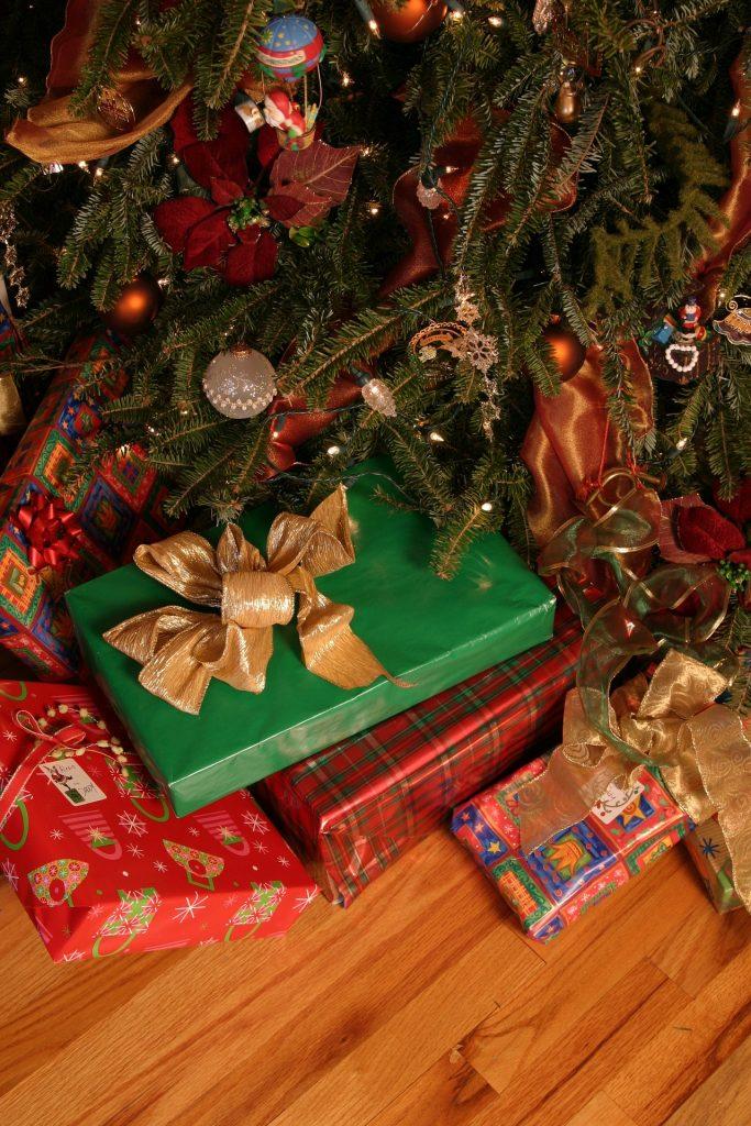 storing treasured christmas ornaments, storage boxes for Christmas ornaments, ,storage for Christmas ornaments
