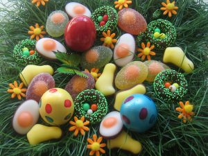 Amazing Easter Candy Gift Baskets that Will Please Everyone